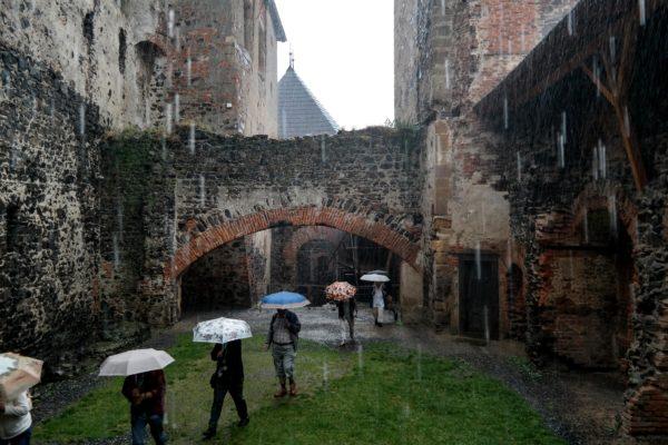 """Janusz Rasała - """"Zwiedzać można też w deszczu"""""""