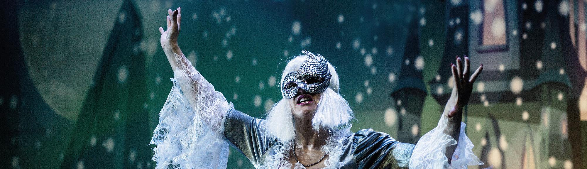"""Niedziela z Bajką: Spektakl """"Śnieżna Królowa – opowieść zimowa"""""""